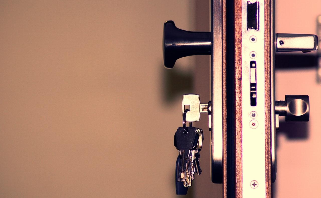Faire appel à un serrurier Lyon 2 pour ouvrir une porte bloquée